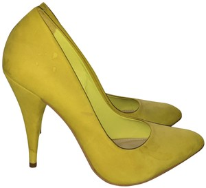 e89c697a295 Yellow Steve Madden Pumps - Up to 90% off at Tradesy