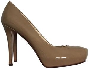 65920c40f370 Kate Spade Neutral Platform Stiletto New Camel Patent Pumps