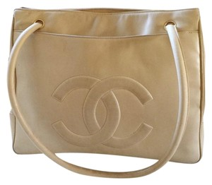 8a437a009998 Chanel Shoulder Bags on Sale - Up to 70% off at Tradesy