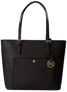 a33aee435b50 Michael Kors Totes - Up to 70% off at Tradesy