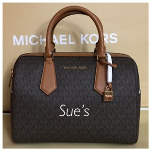 f84afa857e04 Michael Kors on Sale - Up to 80% off at Tradesy (Page 268)