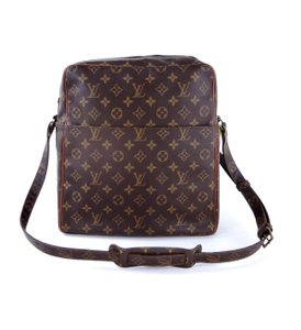 Louis Vuitton Vintage Gm Shoulder Messenger Cross Body Bag daeecf9c042f4