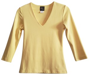 Carilyn Vaile 3/4 Sleeve Yellow Slimming Top V Neck