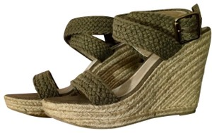 c6c593f24df Green Steve Madden Wedges - Up to 90% off at Tradesy
