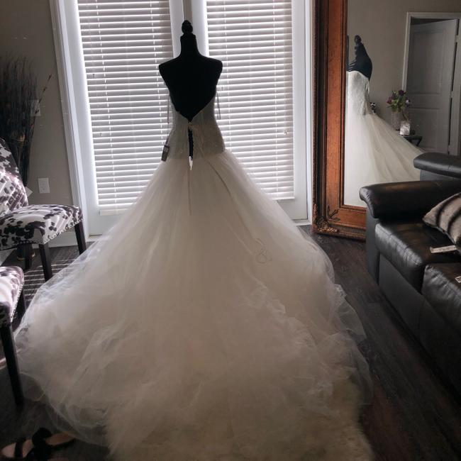 Demetrios Ivory Sweetheart Gown Feminine Wedding Dress Size 10 (M) Demetrios Ivory Sweetheart Gown Feminine Wedding Dress Size 10 (M) Image 1