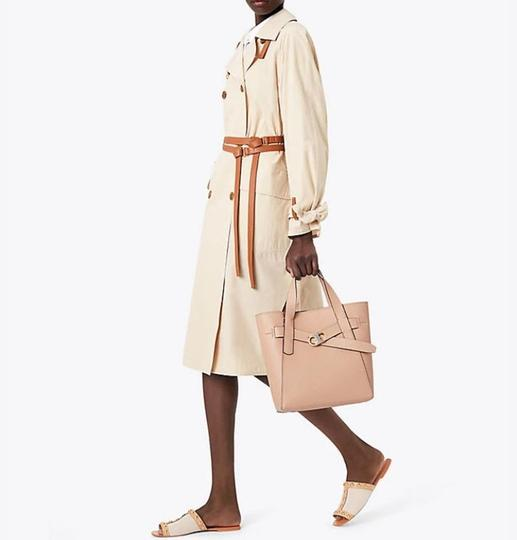 Tory Burch Tote in BEIGE SAND Image 11