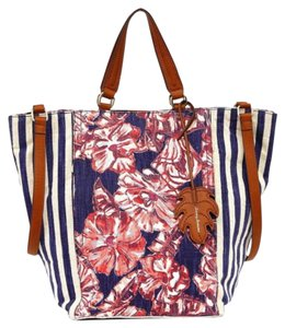 Tommy Bahama Magnetic Snaps Exterior Zip Pockets Lots Of Pockets Super Roomy Island Chic Tote in Red Blue