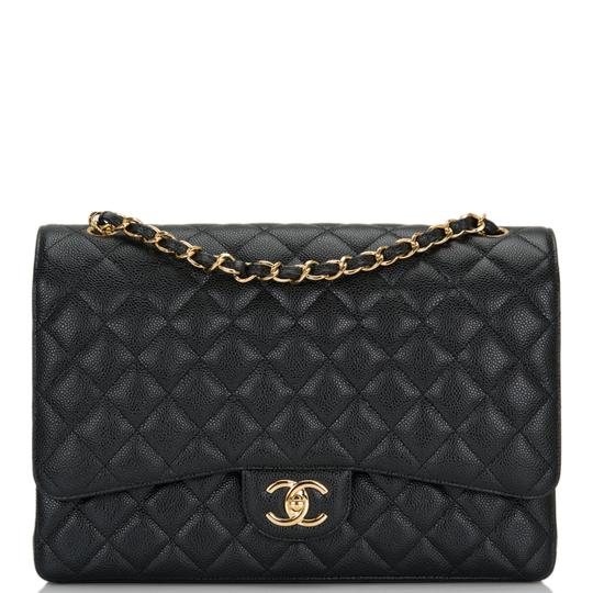Preload https://img-static.tradesy.com/item/25024148/chanel-classic-flap-quilted-caviar-maxi-classic-double-black-leather-shoulder-bag-0-0-540-540.jpg