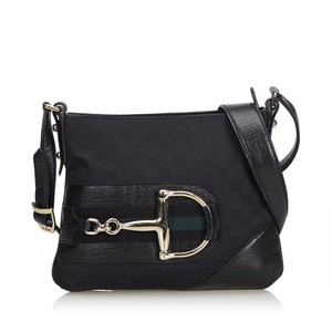 Gucci Crossbody Bags - Up to 70% off at Tradesy b709e5ab2e7ee