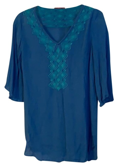 Preload https://img-static.tradesy.com/item/25025558/lilly-pulitzer-for-target-blur-gauze-tunic-size-2-xs-0-1-650-650.jpg