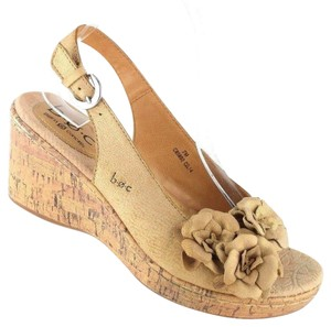 B.O.C. Tan Wedges