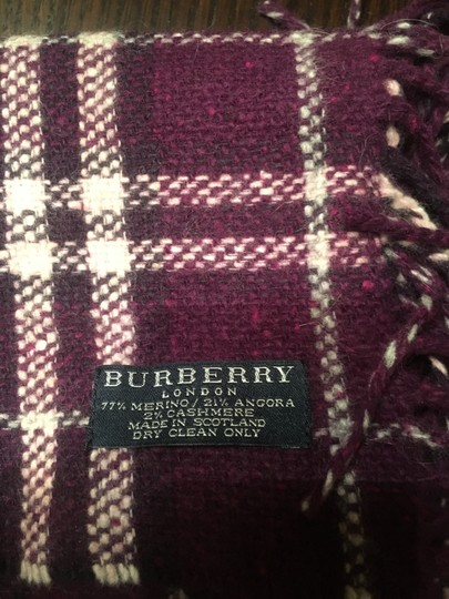 Burberry Authentic Buberry plum happy scarf Image 4