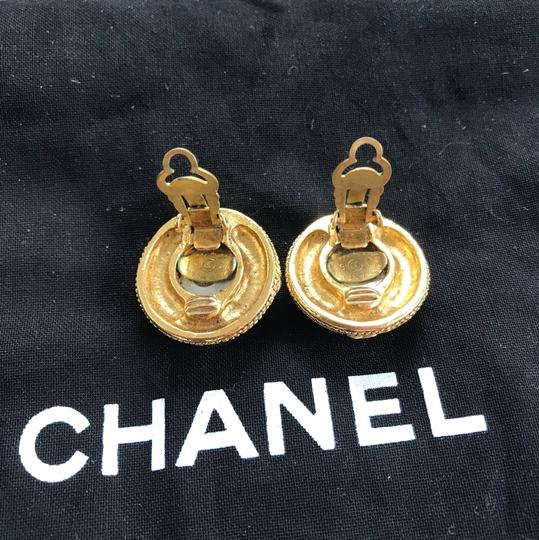 Chanel Chanel vintage pearl clip on earrings Image 3