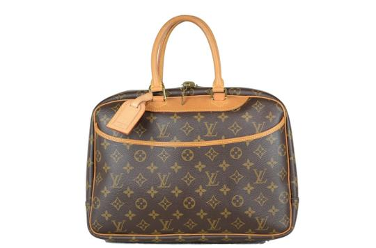 Preload https://img-static.tradesy.com/item/25028704/louis-vuitton-deauville-monogram-brown-canvas-tote-0-0-540-540.jpg
