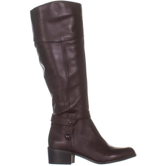 A35 Brown Boots Image 3