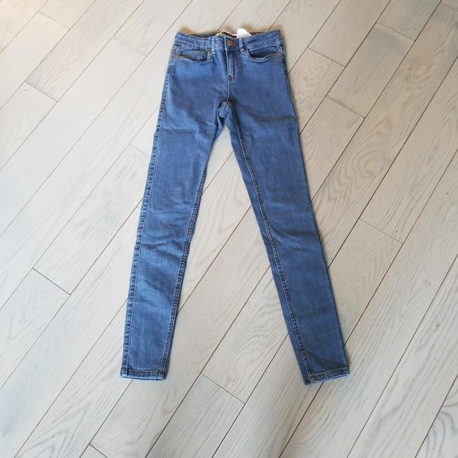 Preload https://img-static.tradesy.com/item/25029687/blue-medium-wash-high-waisted-skinny-jeans-size-26-2-xs-0-0-650-650.jpg