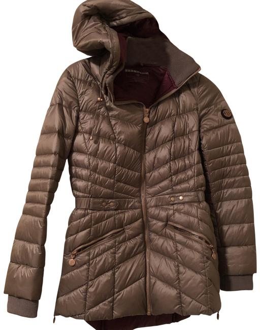Preload https://img-static.tradesy.com/item/25029691/bernardo-taupetansoil-quilted-hooded-packable-puffer-jacket-new-coat-size-2-xs-0-1-650-650.jpg