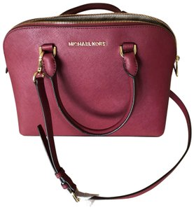 306a4f7fce486 MICHAEL Michael Kors Satchels - Up to 90% off at Tradesy