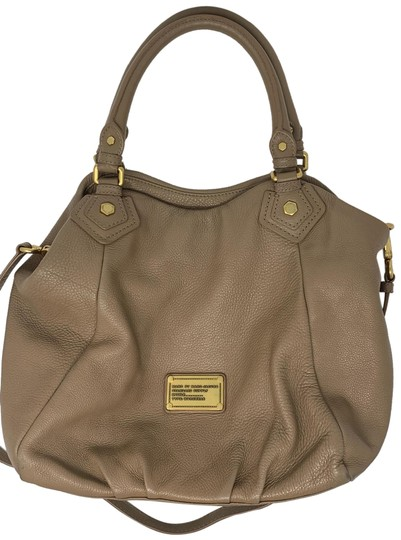 Preload https://img-static.tradesy.com/item/25030079/marc-by-marc-jacobs-classic-q-tan-leather-hobo-bag-0-1-540-540.jpg