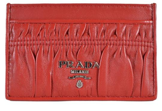 Preload https://img-static.tradesy.com/item/25030209/prada-red-new-women-s-1mc208-fuoco-ruched-leather-card-case-id-wallet-0-0-540-540.jpg