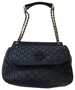 e010a7204ca3f Tory Burch Shoulder Bags on Sale - Up to 70% off at Tradesy