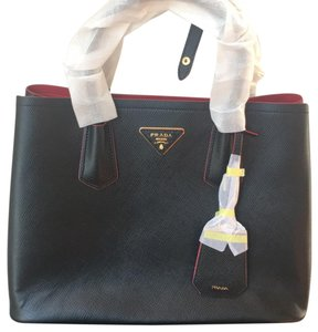 62b71a1333224d Prada Totes on Sale - Up to 70% off at Tradesy