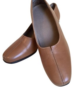 Munro American light brown Pumps