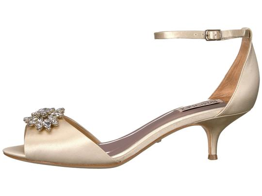 Badgley Mischka Ivory Sainte Crystal Embellished Sandal Formal Size US 8 Regular (M, B) Image 1