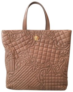 c12f84647d Versace Totes - Up to 90% off at Tradesy