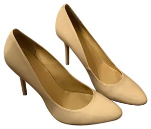 710f436a090 Liz Claiborne Pumps - Up to 90% off at Tradesy