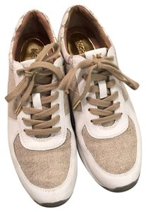 b992c4063923a Michael Kors Shoes on Sale - Up to 70% off at Tradesy