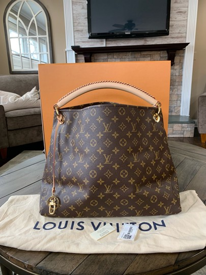 Preload https://img-static.tradesy.com/item/25036367/louis-vuitton-artsy-like-new-never-used-mm-box-dustbag-tags-brown-monogram-coated-canvas-leather-hob-0-0-540-540.jpg