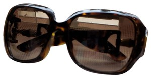 89094dfdf3a5a Gucci Gucci Bamboo Sunglasses with brown tortishell color on the frames and  earpieces. The polorized
