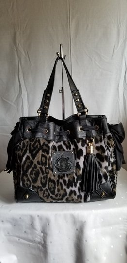 Preload https://img-static.tradesy.com/item/25036374/juicy-couture-leopard-black-suede-tote-0-0-540-540.jpg