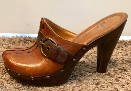 White Mountain Brown Leather Mules