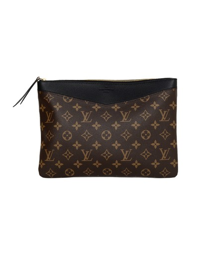 Preload https://img-static.tradesy.com/item/25036673/louis-vuitton-2018-niorlv-monogram-daily-pouch-black-coated-canvas-clutch-0-0-540-540.jpg