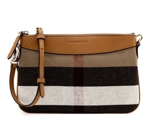 Burberry Crossbody Bags - Up to 70% off at Tradesy a111eeb343538