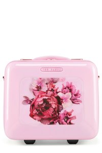 cfa47e4ed2b87a Pink Ted Baker Weekend   Travel Bags - Up to 90% off at Tradesy