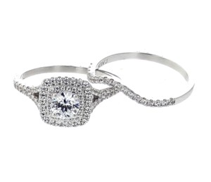 White-gold 14k Set For Her with Round and Center Solit Engagement Ring