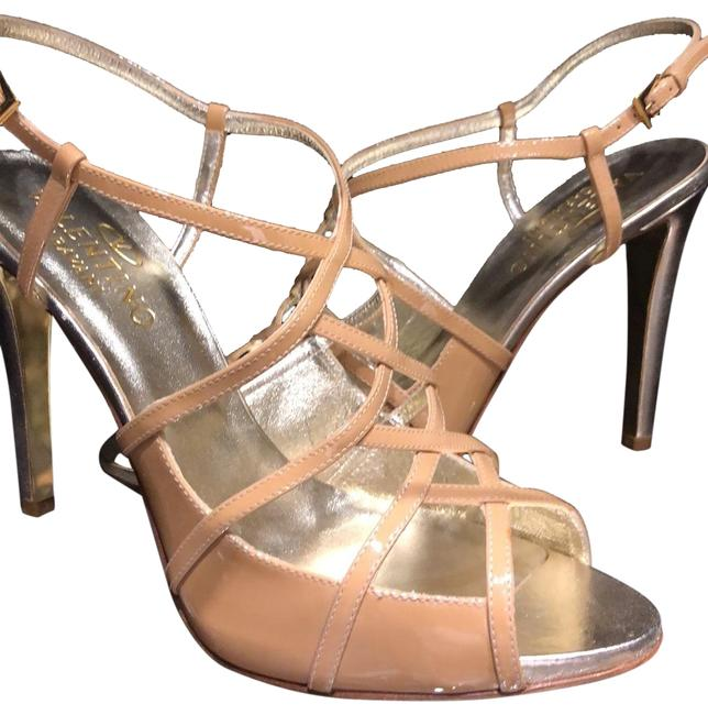 Item - Nude and Gold Patent Leather Platform Evening Formal Shoes Size EU 41 (Approx. US 11) Regular (M, B)