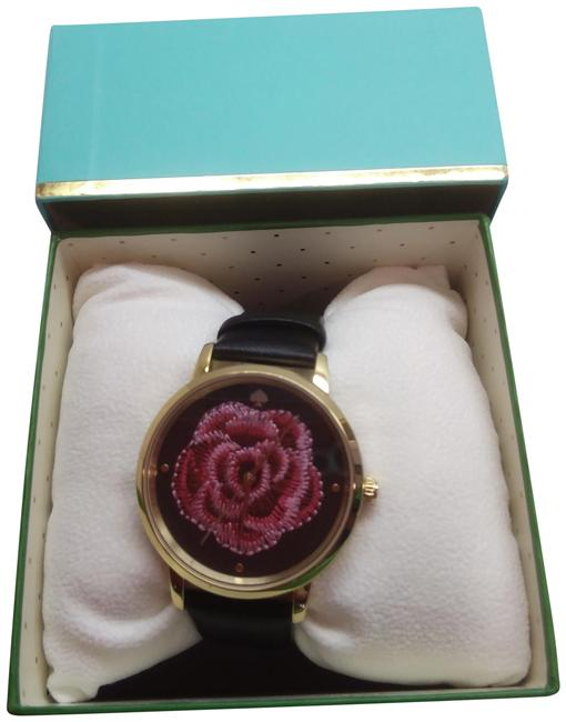 Item - Magenta New Rose Black Watch