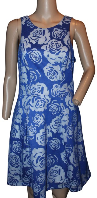 Bold Blue Floral Lace Fit and Flare Prom Party Short Casual Dress Size 6 (S) Bold Blue Floral Lace Fit and Flare Prom Party Short Casual Dress Size 6 (S) Image 1