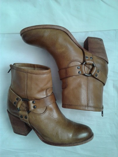 Frye Harness Ankle Leather Rubber Sole Stacked Heel Camel Boots Image 11
