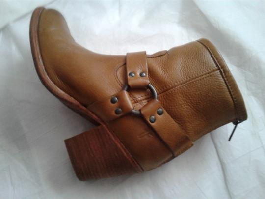 Frye Harness Ankle Leather Rubber Sole Stacked Heel Camel Boots Image 5