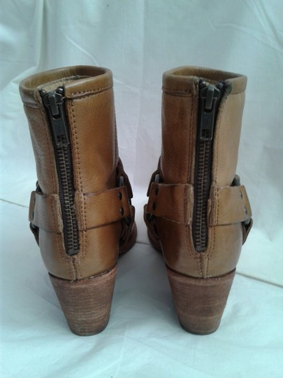 Frye Harness Ankle Leather Rubber Sole Stacked Heel Camel Boots Image 9