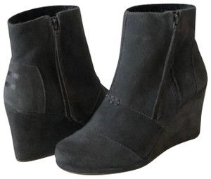 """TOMS Suede Leather 3"""" Heel Rubber Sole Grey Boots"""