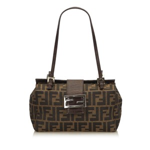 Fendi 8gfnhb015 Vintage Shoulder Bag