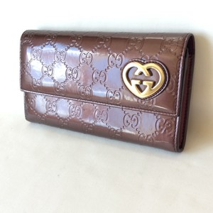 Gucci Brown Classic Monogramed Gg