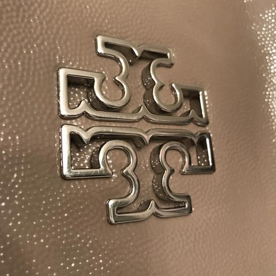 Tory Burch Purse Handbag Satchel Shoulder Weekend/Travel Tote in Gray Taupe silver