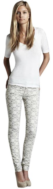 Preload https://img-static.tradesy.com/item/25042125/7-for-all-mankind-gray-and-cream-au0150660-lace-print-skinny-jeans-size-28-4-s-0-1-650-650.jpg